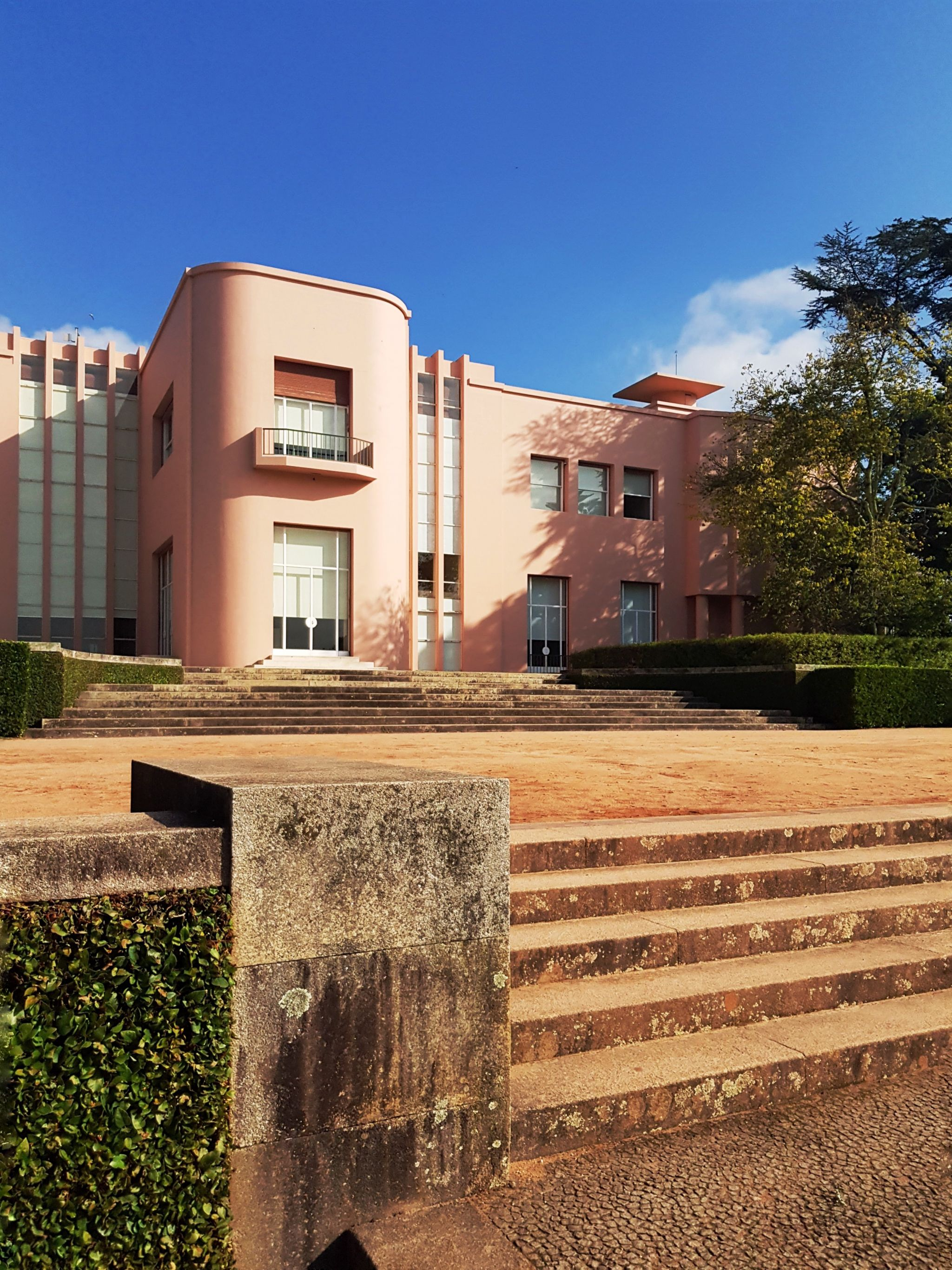 serralves pink house